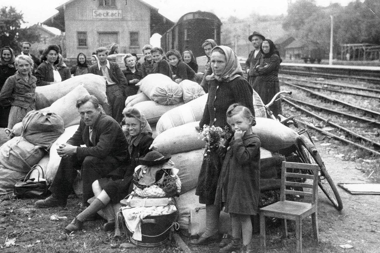 Ankunft der Flüchtlinge am Bahnhof Seckach
