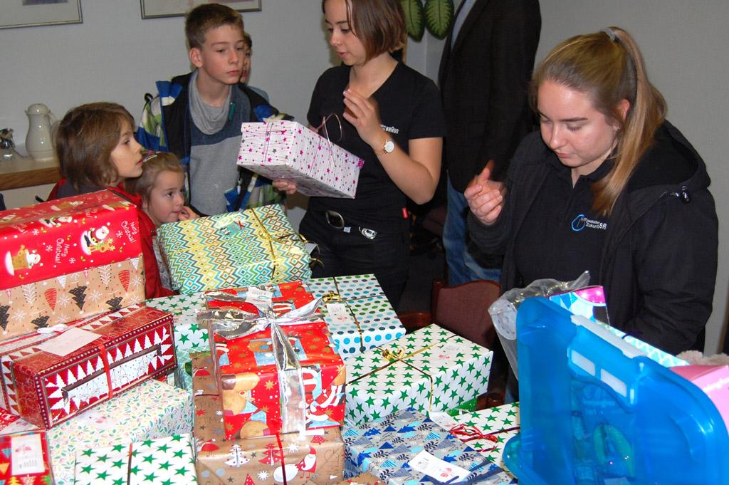 Kinderheim Weihnachtsgeschenke.Kinder Und Jugenddorf Klinge Weihnachtsgeschenke Der Firma